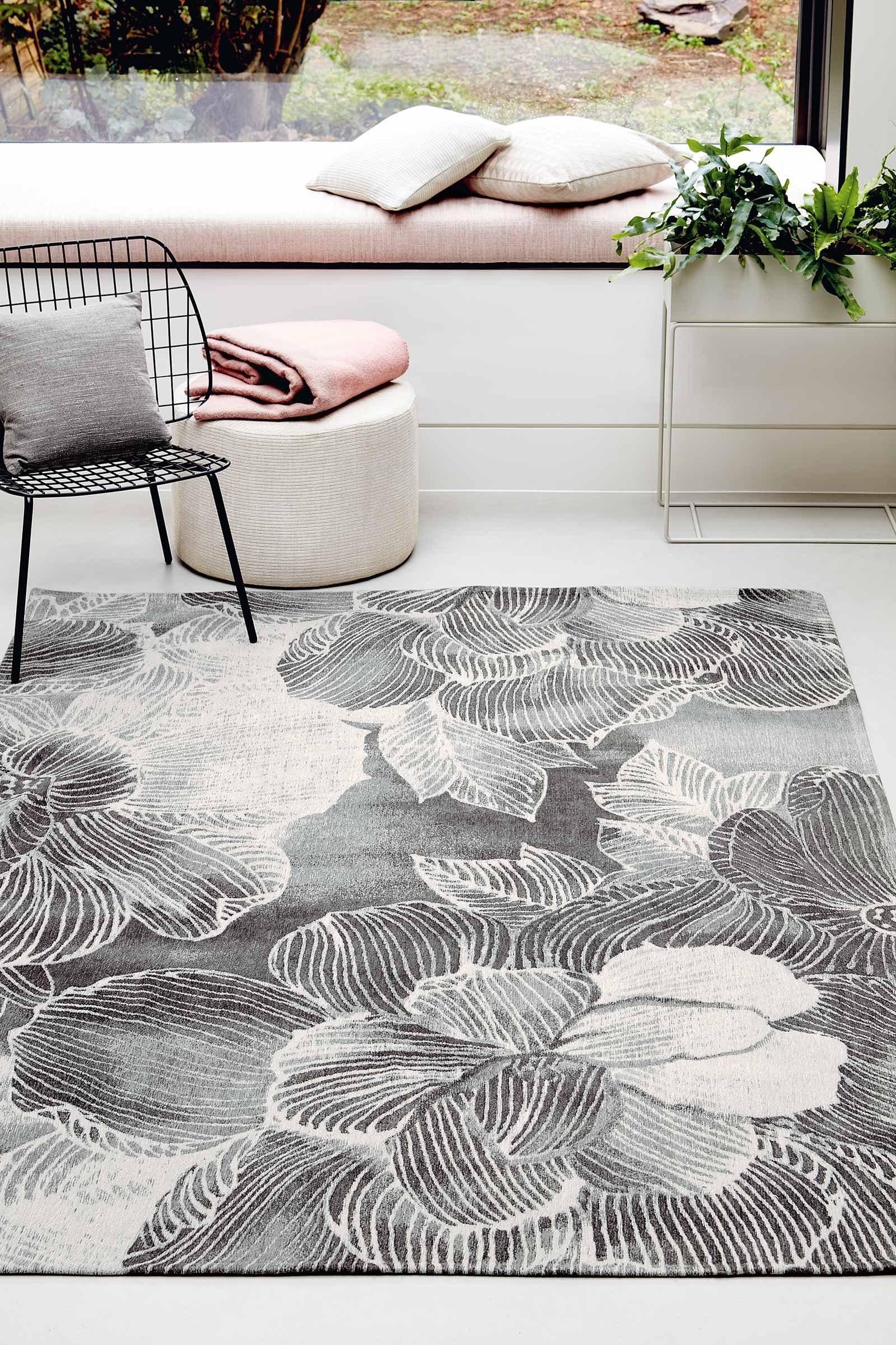 Louis De Poortere rug Villa Nova LX 8755 Akina Carbon interior